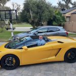 Stigao lamborghinijem i dokazao ko je najplaćeniji i najtraženiji pjevač u Americi: Denis Rapkić  kao rođendanski poklon elitnoj porodici na Floridi (VIDEO)